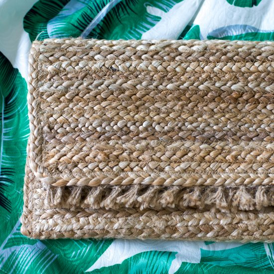 DIY straw handbag